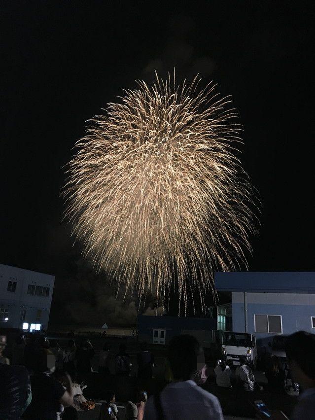 焼津海上花火を会場の焼津港新港に見に行った様子