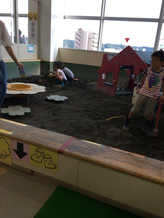 室内砂場で遊べる施設。こども館・プレイルームが静岡にあった!