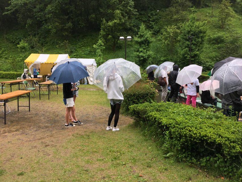 雨の藤枝蓮華寺池音楽祭。雰囲気ある