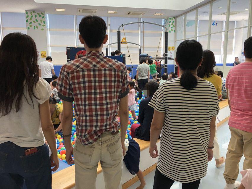 祝日の島田こども館「ぼるね」は午前中でも混みあっている