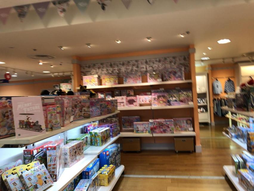 静岡伊勢丹おもちゃ売り場。クリスマスプレゼントでアイスクリーム屋さん