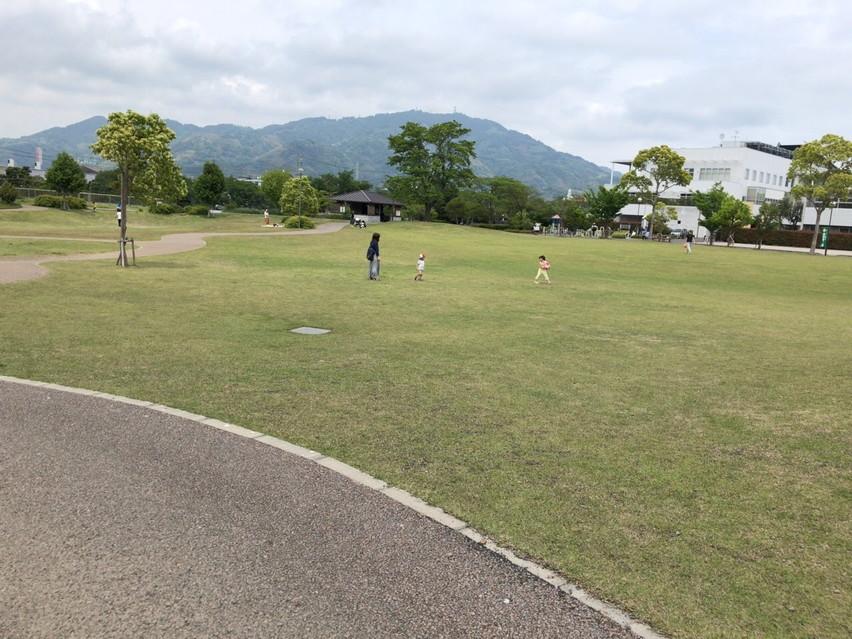 焼津市の公園「大覚寺公園」小さい子供と遊ぶのに丁度よい