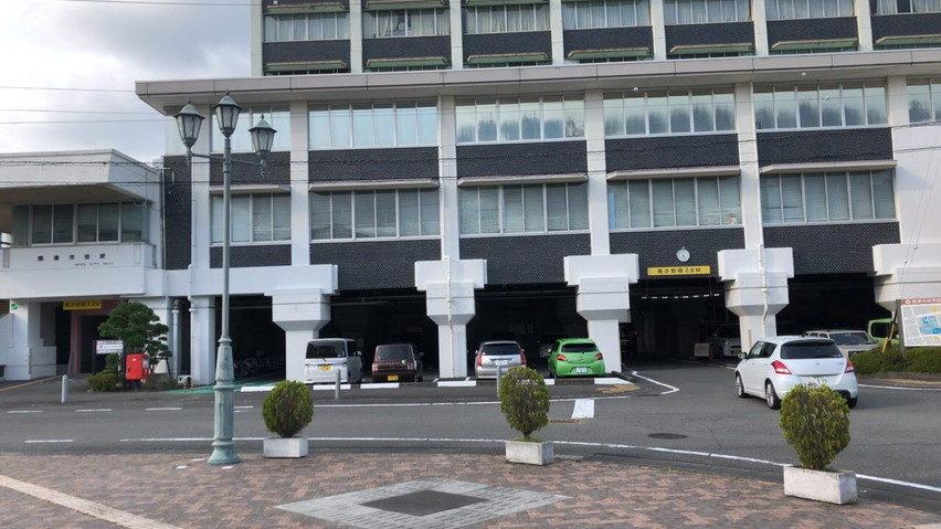 焼津の七夕祭りの駐車場。昭和通り