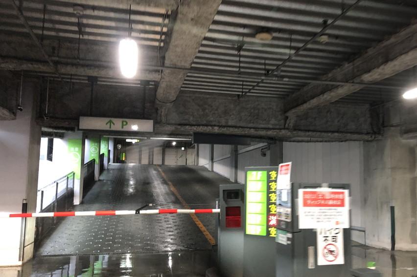 台風大雨で車が浸水しないよう立体駐車場に避難させてみました