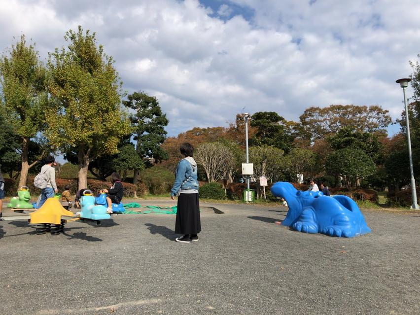 うんていと鉄棒がある公園。焼津市ではなく静岡市の高松公園
