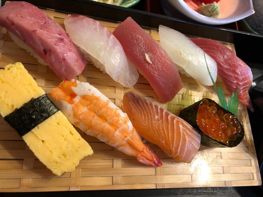 藤枝市のお寿司屋さん寿づよし(すづよし)は土日もランチ営業
