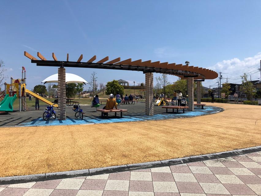 鉄棒の練習が出来る焼津市の公園みなくーる石津西公園