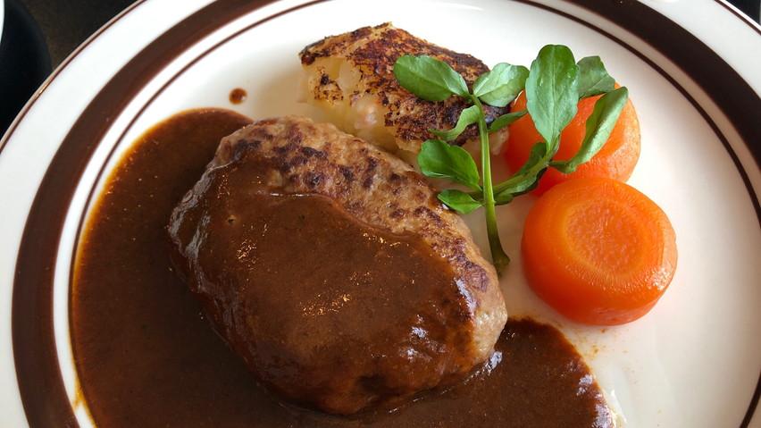 ハンバーグの名前の由来は「ハンブルグ」焼津の老舗洋食店グー青山でランチ